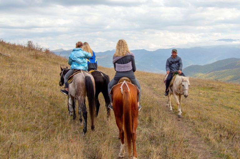 solo women horse back riding